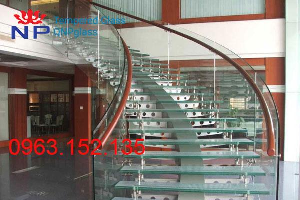 Cầu Thang Kính 04